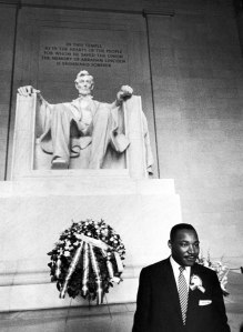 Martin Luther King, Jr in front of Lincoln Memorial